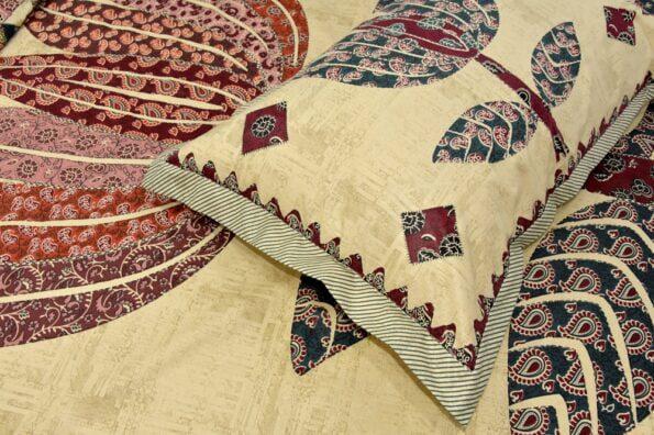Barmeri Big Lotus in Cream Brown Multicolour Double Bed Sheet Closeup