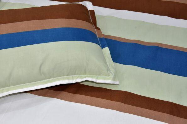 Multicolor Lining Poly Cotton Double Bedsheet Close up