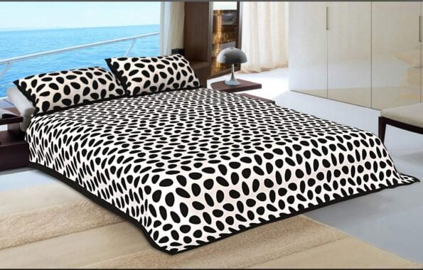 Traditional Sanganeri Cow Print King Size Pure Cotton Double Bedsheet Closeup (2)